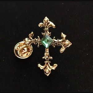 Vintage Gold Emerald Cross Brooch/Pin